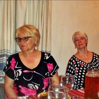 Одноклассницы - встреча через 50 лет :: Нина Корешкова