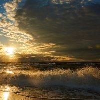 Закат на Балтийском море :: Oleg K