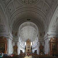 Мюнхен. Церковь. :: Дмитрий Лебедихин