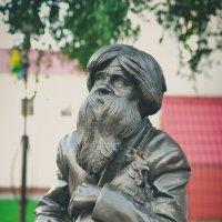 Памятник художнику Ивану Селиванову :: Валентин Прокудин