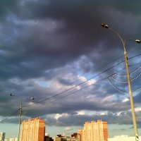 Летнее небо города Люберцы перед грозой. :: Ольга Кривых
