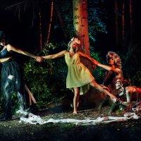 Ночь в лесу * :: Виктор Выдрин