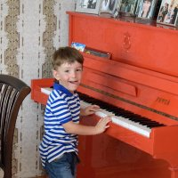 Red Piano! :: A. SMIRNOV