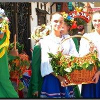 угощение  на  празднике  Яблочный  Спас. :: Ivana