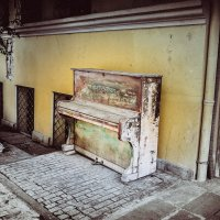 Piano.The streets of Tbilisi. :: Илья В.