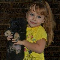Девочка и щенок :: Клара