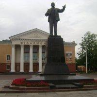 В.И.Ленин - дирижер (У Витебской филармонии.) :: Марина Домосилецкая