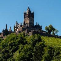 Замок Кохэм,вид с реки :: Witalij Loewin