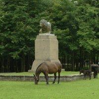лев и лошади :: Михаил Жуковский
