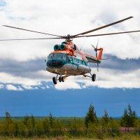 Взлет вертолета МИ-8 :: Serge N