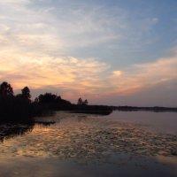 Закат на озере :: Елена Милая