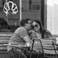 О чувствах не кричат на всю улицу :: Александр Степовой