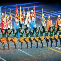 Танец фестиваля Спасская башня :: Александр Колесников