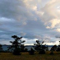 Тучи над Байкалом :: Оксана Тарасенко
