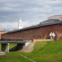 Новгородский кремль. :: Юрий Шувалов
