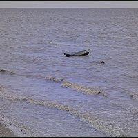 ...Пустая  лодка... :: Владимир Богославец