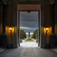 «Выход в свет» :: Valeriy Piterskiy