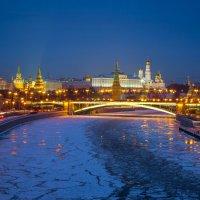 Московский зимний вечер :: Игорь .