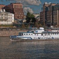Жюль Верн на маленькой реке в большом городе :: mig-2111 Новик