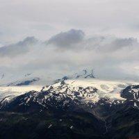 Вершина Эльбруса за облаками.... :: Оксана Н