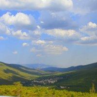 Вид в горах (снято с машины) :: Оля Богданович