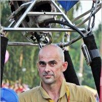 Я улетаю на большом воздушном шаре... :: Aquarius - Сергей