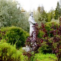 вот такой памятник стоит в маленьком Карельском посёлке Ляскеля :: Ольга Cоломатина