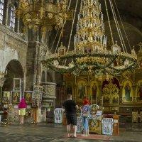 Внутри гарнизонном Свято-Николаевском храме :: leo yagonen