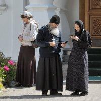 В монастыре, на связи :: Николай Белавин
