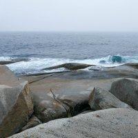 На берегу Атлантики. Океан сегодня очень тихий... :: Юрий Поляков