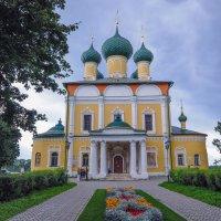 Собор в Угличе :: Сергей Тагиров