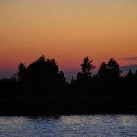 Берег реки в закате :: Сергей Тагиров
