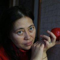яблочная дева 3 :: Михаил Зобов