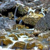 Золотой ручей по дороге в Дарга́вс — село в Пригородном районе Северной Осетии-Алани :: Евгений Ромащенко
