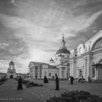 После Службы. Спасо-Яковлевский Дмитриев мужской монастырь в Ростове Великом :: Алексадр Мякшин