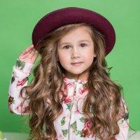 девочка в шляпке :: Gloss Photostudio