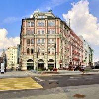 Бывш. меблированные комнаты «Кондратьев» в Москве :: Денис Кораблёв
