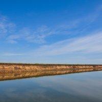 Отражение берега. Река Белая. :: Сергей Тагиров