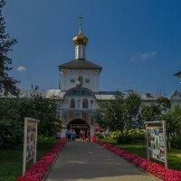 Надвратная церковь Толгского монастыря :: Сергей Цветков