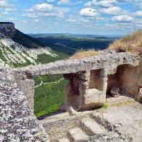 Ступени древнего города Чуфут-Кале :: Ольга Голубева