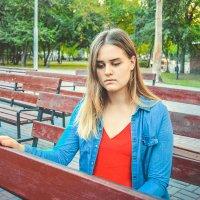 грустная осенняя девушка :: Света Кондрашова