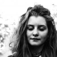 Это облако кажется белым или летнее время шалит? :: Ирина Данилова