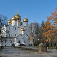 Осень в Ярославле :: Николай Белавин