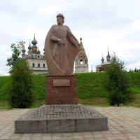 Памятник Юрию Долгорукому в Юрьев-Польском :: Катя Бокова
