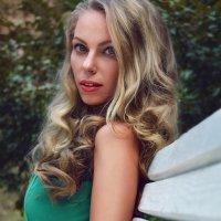 Портрет с небольшой арт ретушью :: Елена Ельцова