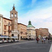 Piazza Tre Martiri, Римини :: Larisa Ulanova