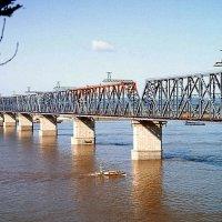 Железнодорожный мост через Амур у Комсомольска. 1975 год. :: юрий