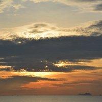 Рассвет в далёкой стране. :: Paparazzi