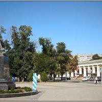 Памятник Чехову Красная площадь Таганрог. :: Ирина Прохорченко