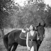 рыжая девушка с лошадью :: Алена (Творческий псевдоним А-ля Moment)